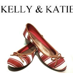 Kelly and Katie Red & White Canvas Flats NWOT